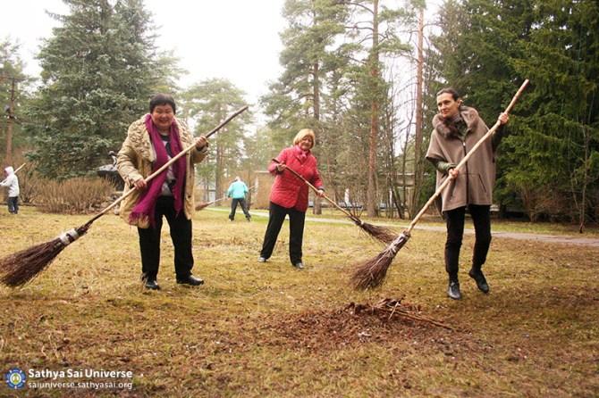 Volunteers doing groundskeeping