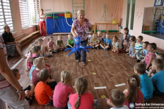 2015.08.05-15 -8Z -Russia-North-Western region - medical and construction camp-classes for children in kindergarten copy