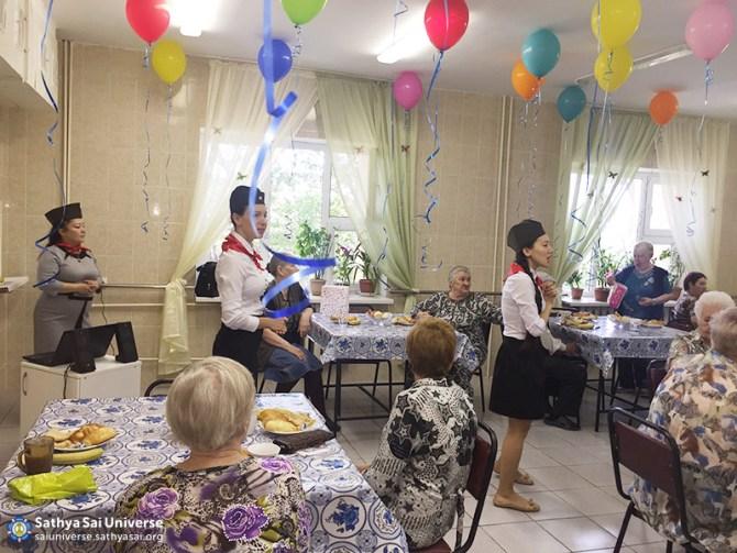 2016-05-09-z8-kazakhstan-visiting-nursing-homes-warm-greetings-from-volunteers