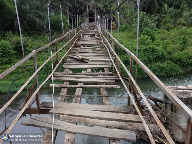 001-ssgi-medan-oct-2016-the-broken-bridge-before-the-renovation-project-copy