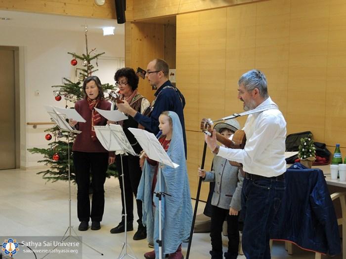 walter-zugal-ssg-graz-christmaspreformance-02-singing-songs-copy