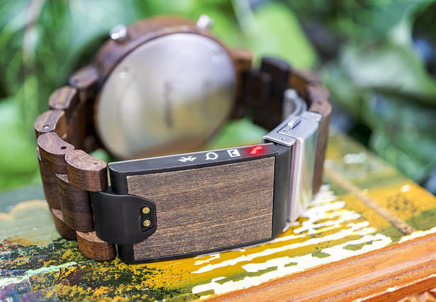 tokyoflash-kisai-blade-wood-link-led-watch3