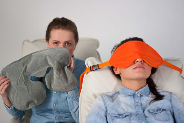 sleeper-sleep-mask-for-travelers-by-lana-dey6
