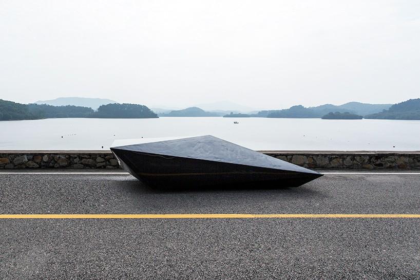 united-nude-lo-res-car-designboom-02-818x545