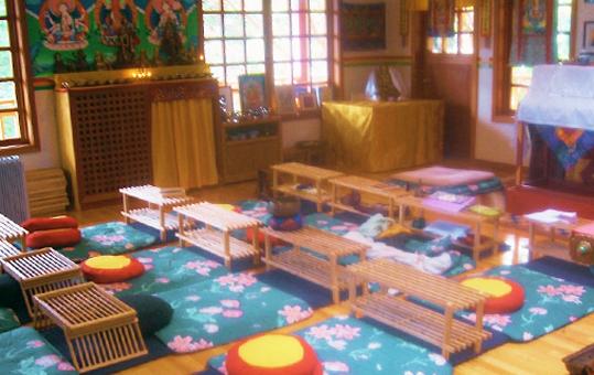 shrineroom2_f