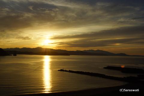 塩谷の夕日と右幻日