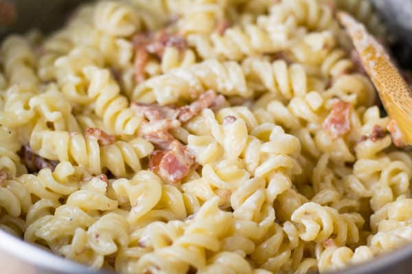 Cheddar Bacon Mac and Cheese - Salu Salo Recipes
