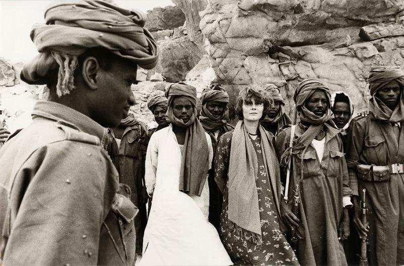 Marie-Laure de Decker avec les rebelles du Frolinat au Tchad. En 1976.