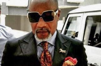 Koffi Olomidé dans de sales draps : Interpellation et comparution ce matin… Annulation de son concert en Zambie