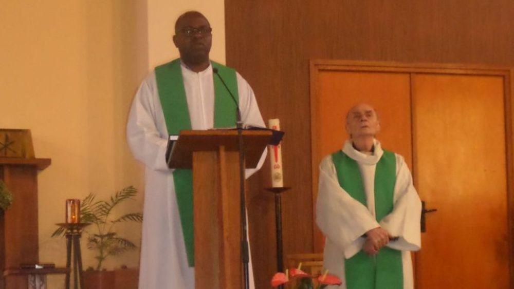 Le Prêtre Jacques hamel et le père Auguste Moanda Phuati