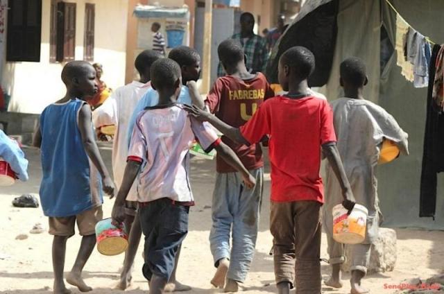 mendiant enfants retrait des rues