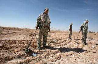 L'armée veut mettre trois ans pour tout déminer. Mais l'objectif est presque trop ambitieux.
