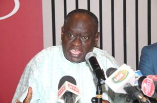 Ousmane Sonko traite Me El Hadji Diouf de «clown national qui s'érige en nègre de service»