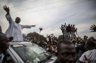 SITUATION EN GAMBIE : Les forces sénégalaises se retirent à moitié, le président Barrow entame des consultations pour former son Gouvernement