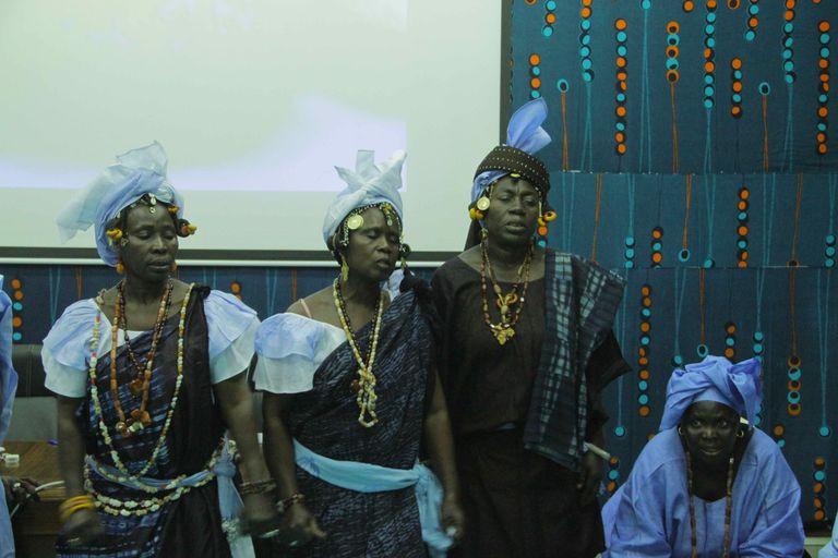 Femmes sereer venues chanter à Dakar sur le thème de l'eau, le 8 janvier 2017. CRÉDITS - BÉNÉDICTE SAMSON SENGHOR