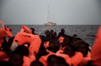 Migrants subsahariens au large de la Libye, en octobre  2016 ARIS MESSINIS/AFP