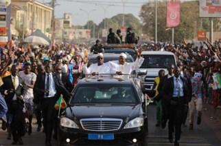 «Guest» de son homologue Gambien, le Pr Macky Sall ravit la vedette aux autres chefs d'Etat invités à l'Indépendence Day»