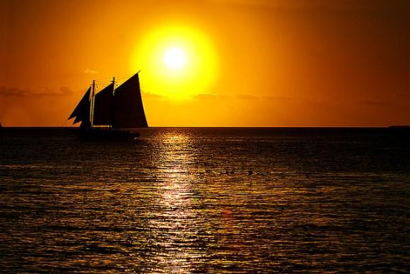 Sunset sailing photograph in Florida