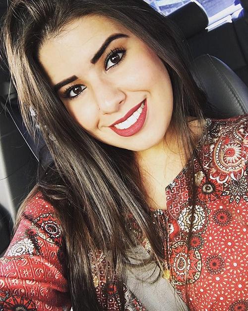 A universitária Mariana Angélica Fidélis Damasceno, 22