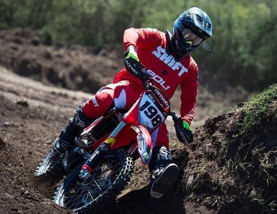 joaquin-poli-fue-primero-en-rada-tilly-y-lidera-el-campeonato-argentino-de-motocrost_862x485