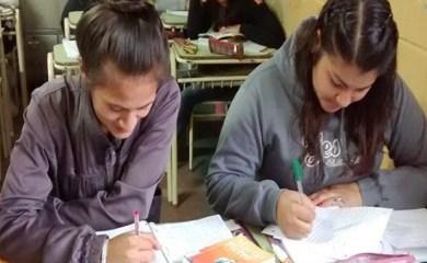"""Centeno: Presentarán el plan provincial """"vuelvo a estudiar"""""""