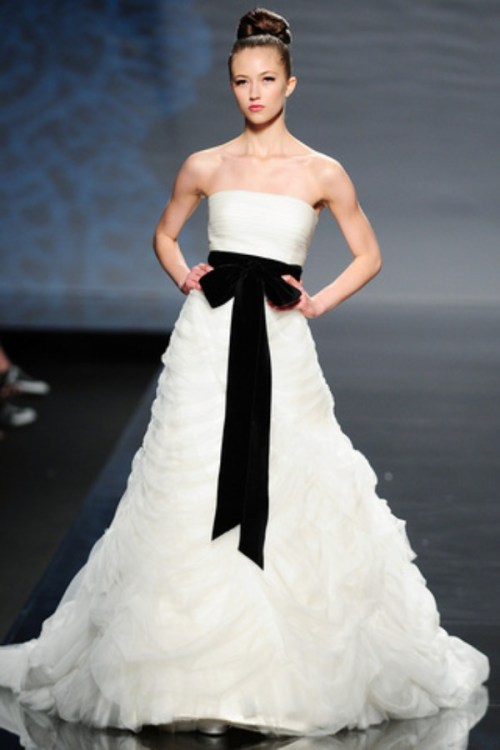 Wedding Dresses White With Black Accents - Wedding Dress Designers