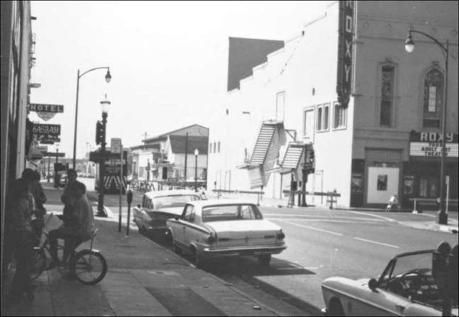 The Roxy Theater after the October, 1969 Santa Rosa Earthquake. Image: Sonoma County Library