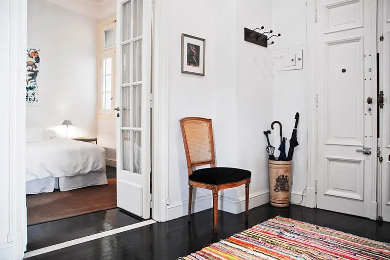 Foyer and Guest Bedroom of The Gallery on Defensa|San Telmo Loft