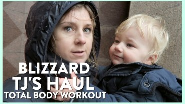 Family Vlog #5: Trader Joe's Haul, Parade + Total Body Workout