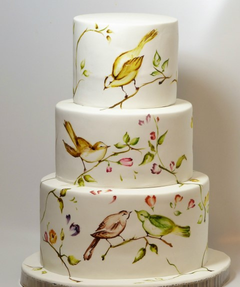 Painted Bird Cake For Wedding celebration