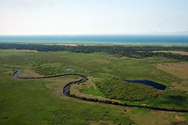 湿原を流れるサロベツ川