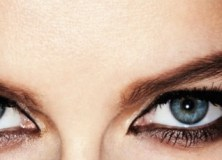 Eye Makeup Review Revlon Bedroom Eyes Eyeliner smoky-eyes Laetitia Casta