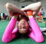 o que é yoga menina em asana