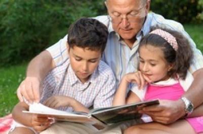 Avô e netos