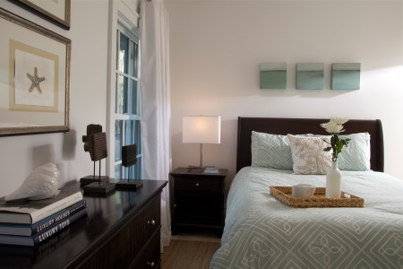 guest bedroom tracery