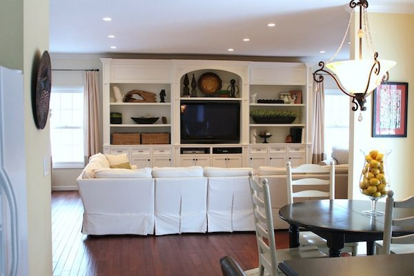 Living room with White build in entertainment center
