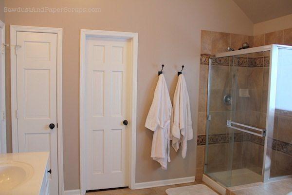 House Tour - Master Bathroom - Sawdust Girl®