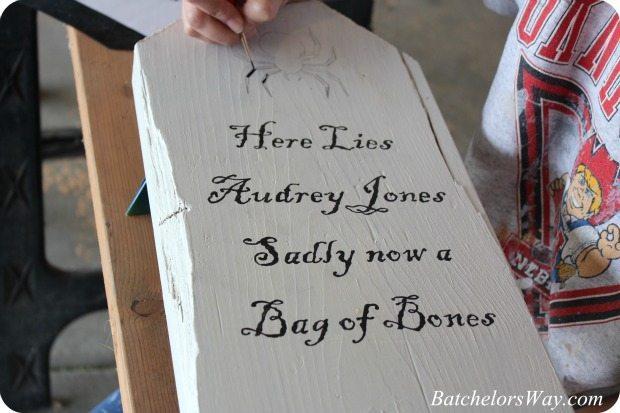 Halloween tombstone-batchelorsway.co,