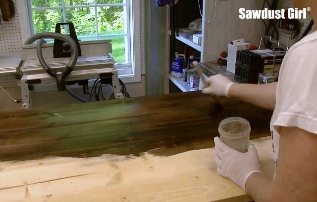 How to finish wood with water soluble dye and tung oil.