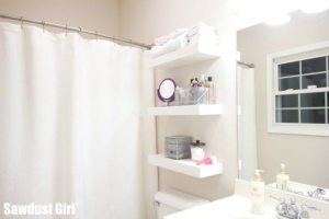 Small bathroom storage solution