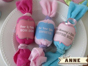 Easy to make Baby Shower gifts From washcloths & free printable
