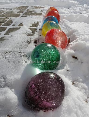 Queen Vanna Creations ice balloons
