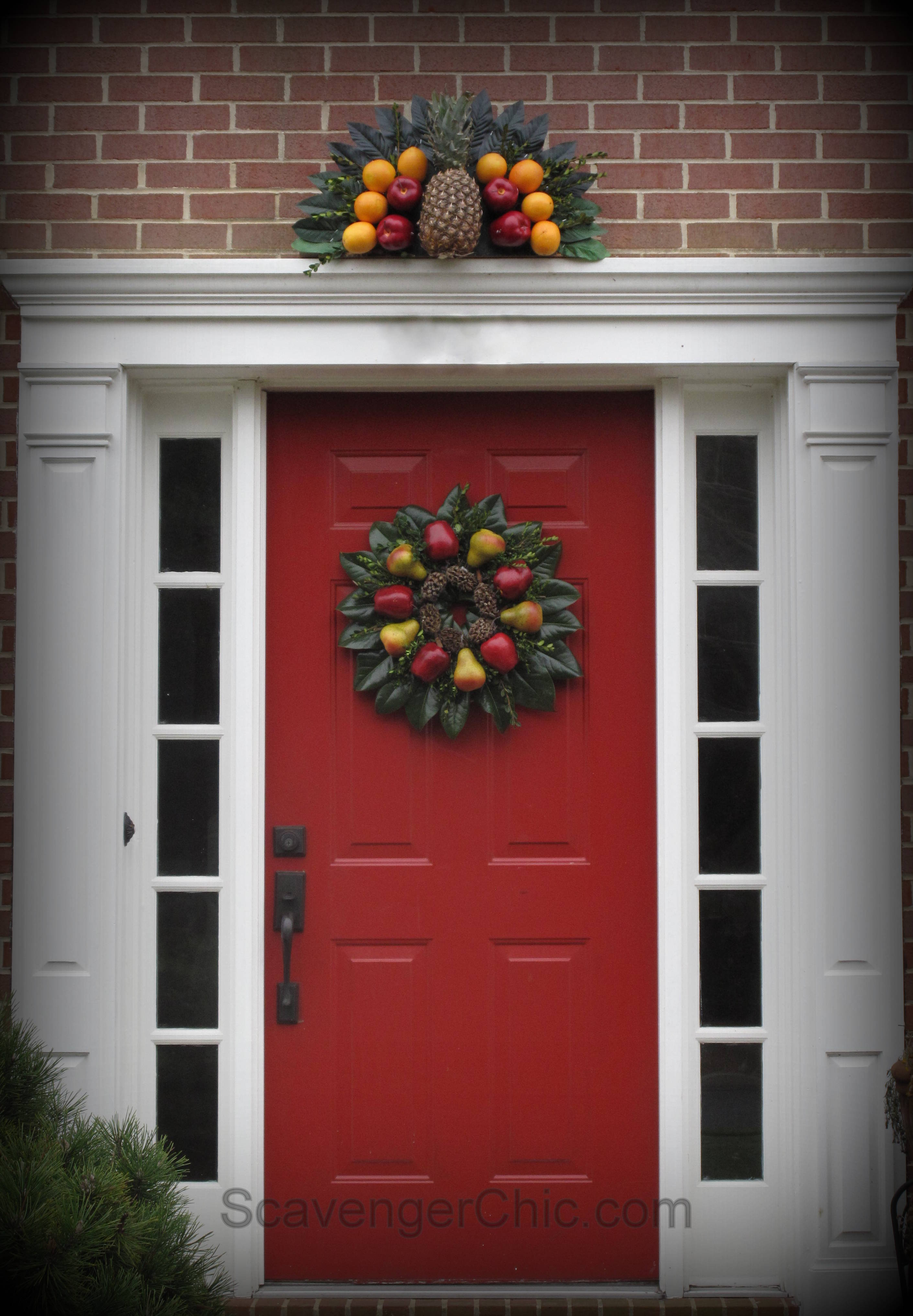 Fruit over the door christmas decoration - At Night Lit By A Spotlight Williamsburg Fruit Fan Over The Door Decoration Williamsburg Decorating Christmas Decorating Fruit