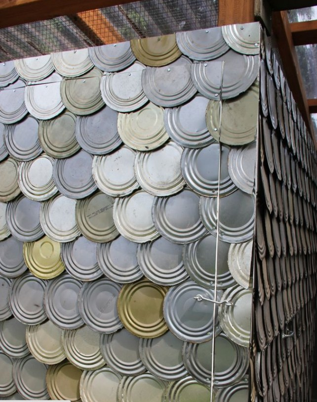 20+ Amazing Recycled Wall Ideas-Tin Can Lid Wall