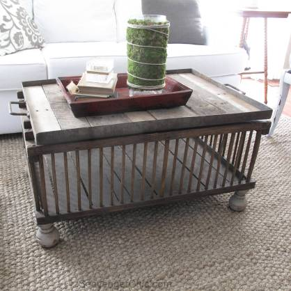 Easy Chicken Coop/Crate Coffee Table diy