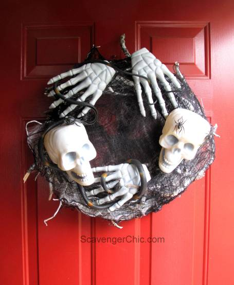 Dollar Store Halloween Skull Wreath