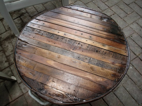Pallet Wood Butcher Block Top over a  Galvanized Wash Tub, small outdoor table-015