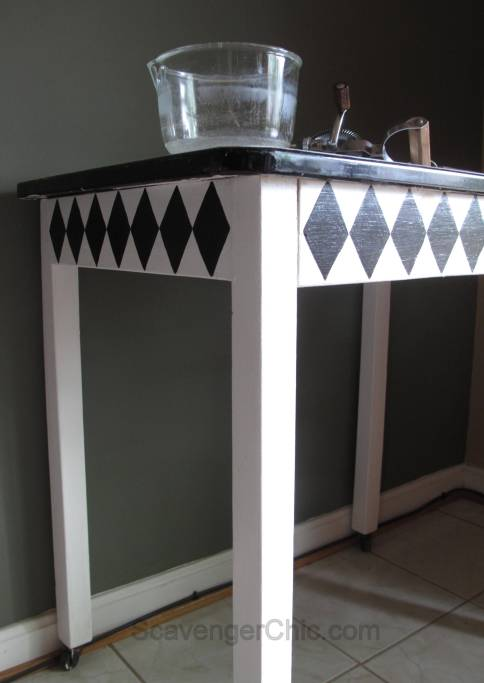 Vintage Black and White Enamel Table Makeover-010