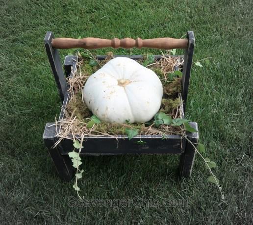 Easy DIY Pallet Wood Pumpkin Tote