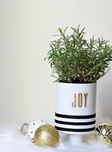 DIY and Homemade Gifts - Decorated Pot with Herbs